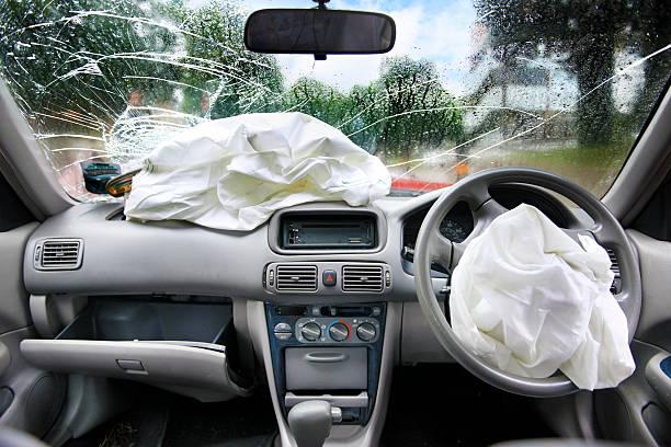 Drink driving accident airbags:スマホ壁紙(壁紙.com)