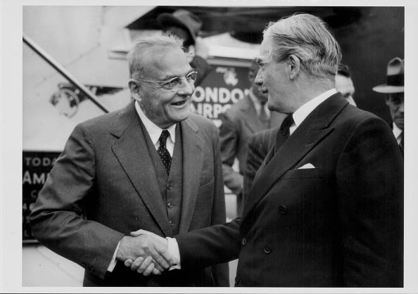 Hand「John Foster Dulles And Konrad Adenauer」:写真・画像(0)[壁紙.com]