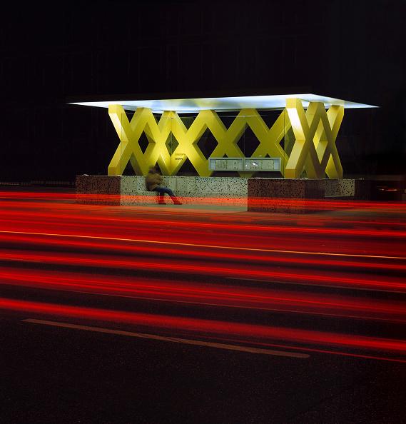 Lighting Equipment「Bus stop at night, city of Hanover, county of lower Saxony」:写真・画像(12)[壁紙.com]