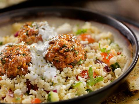 Spanish Onion「Lamb Meatballs with a Couscous Greek Salad and Tzatziki」:スマホ壁紙(16)
