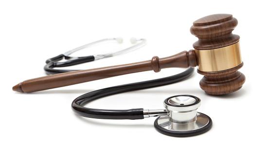 Legal System「Gavel and stethoscope」:スマホ壁紙(16)