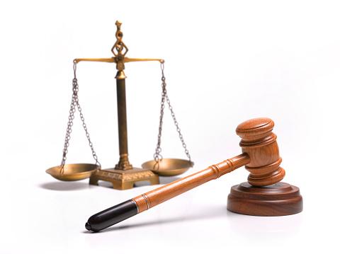 Legislation「Gavel and scales of justice」:スマホ壁紙(16)