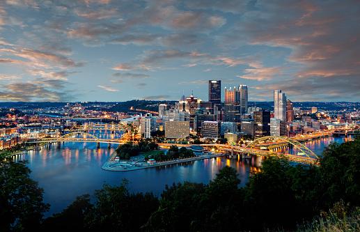 Pennsylvania「Pittsburgh Skyline at Dusk」:スマホ壁紙(0)