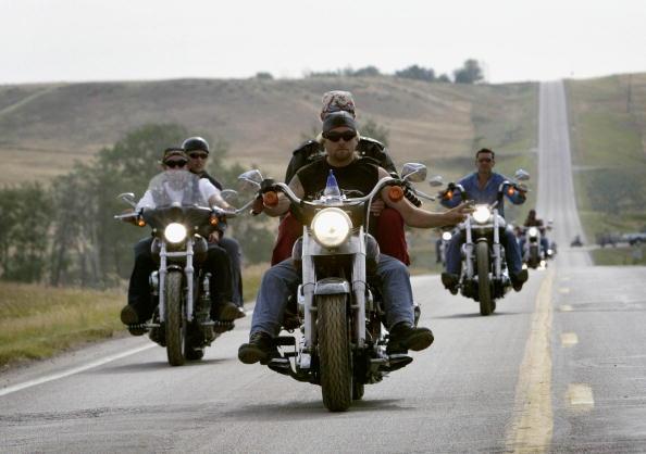 オートバイ「Sturgis Rally Draws Bikers To South Dakota」:写真・画像(8)[壁紙.com]