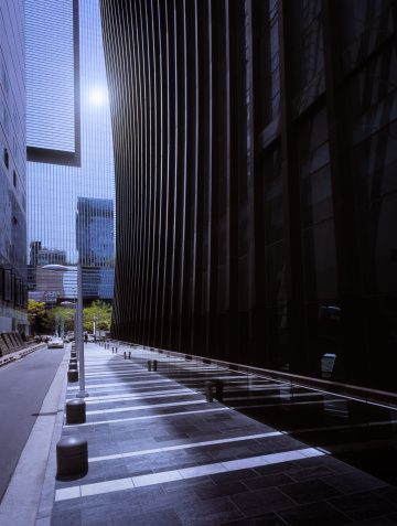 South Korea「Sun reflecting in modern office facade」:スマホ壁紙(11)