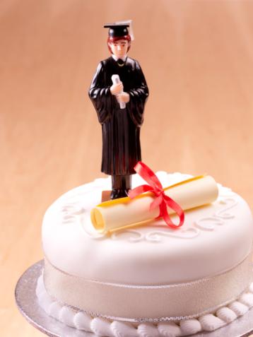 University Student「Male graduate celebration cake.」:スマホ壁紙(19)