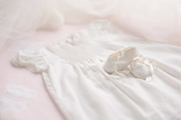 Baptism Gown with Booties & bonnet:スマホ壁紙(壁紙.com)