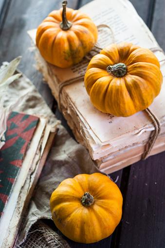 ハロウィン「Autumnal decoration with pumpkins」:スマホ壁紙(9)