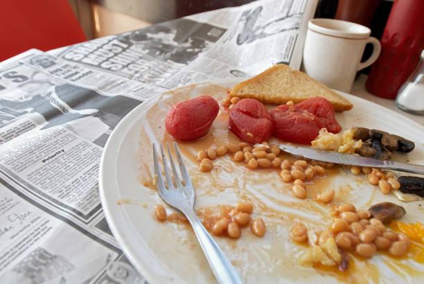 Builder's cafe with full breakfast on table.:ニュース(壁紙.com)