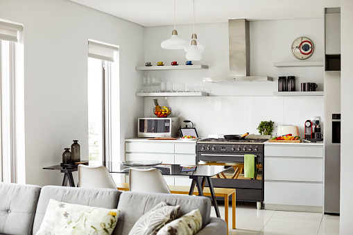 Millennial Generation「Kitchen and living room at home」:スマホ壁紙(8)