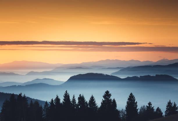 Foggy Sunset:スマホ壁紙(壁紙.com)
