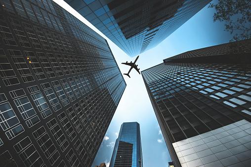 Hell「airplane flying in manhattan downtown」:スマホ壁紙(14)