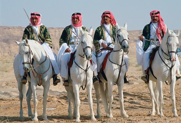 Horse「Bedouin men, Saudi Arabia」:写真・画像(18)[壁紙.com]