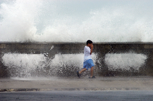 Computer Graphic「Thousands Flee Florida Keys As Hurricane Dennis Approaches」:写真・画像(9)[壁紙.com]