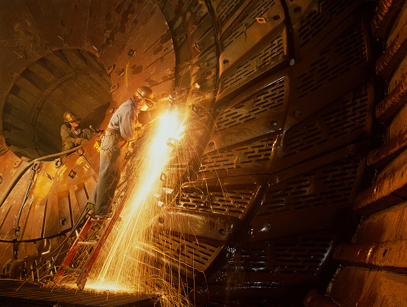 Copper「Repairing ball mill in copper mine, Highland Valley BC, Canada.」:写真・画像(14)[壁紙.com]