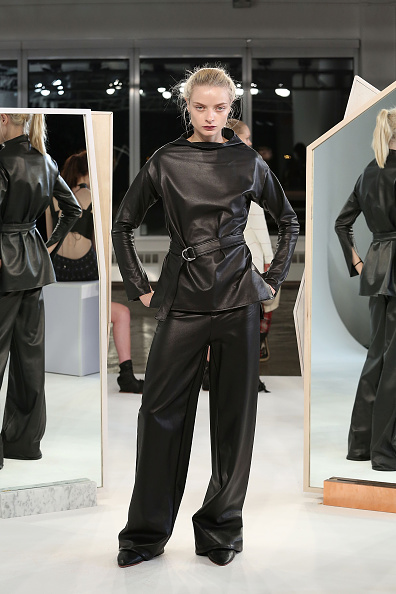 Black Pants「Collina Strada - Presentation - MADE Fashion Week Fall 2015」:写真・画像(15)[壁紙.com]