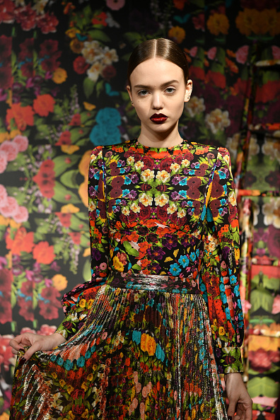Maroon Lipstick「Alice + Olivia By Stacey Bendet - Presentation - February 2019 - New York Fashion Week: The Shows」:写真・画像(19)[壁紙.com]