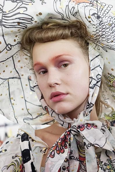 春夏コレクション「Tsumori Chisato : Backstage  - Paris Fashion Week Womenswear Spring/Summer 2018」:写真・画像(3)[壁紙.com]