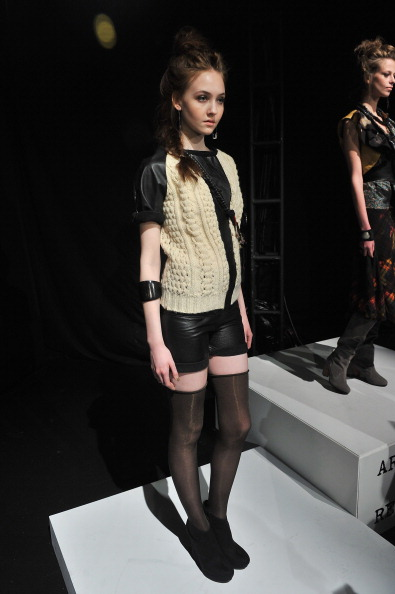 Stephen Lovekin「Mercedes-Benz Fashion Week Fall 2012 - Official Coverage - Best Of Runway Day 2」:写真・画像(18)[壁紙.com]