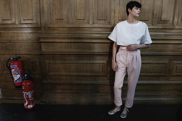 夏コレクション「Paul & Joe : Backstage - Paris Fashion Week Womenswear Spring/Summer 2018」:写真・画像(8)[壁紙.com]