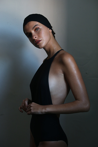 膝から上の構図「BONDI BORN - Backstage - Mercedes-Benz Fashion Week Australia 2019」:写真・画像(9)[壁紙.com]