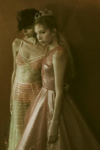 Spring Collection「John Galliano : Backstage - Paris Fashion Week Womenswear Spring/Summer 2018」:写真・画像(2)[壁紙.com]