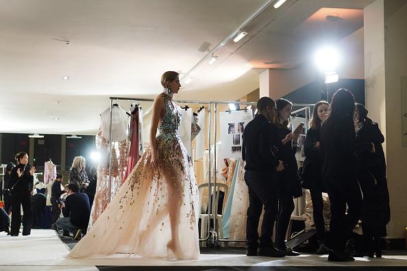 Elie Saab - Designer Label「Elie Saab : Backstage - Paris Fashion Week - Haute Couture Spring Summer 2019」:写真・画像(5)[壁紙.com]