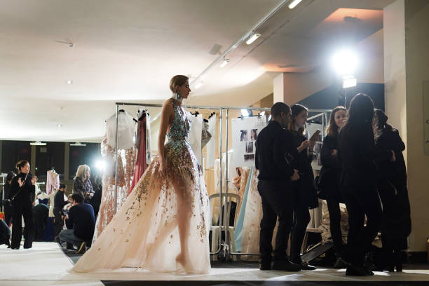 Elie Saab : Backstage - Paris Fashion Week - Haute Couture Spring Summer 2019:ニュース(壁紙.com)