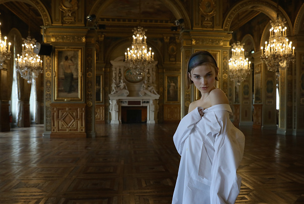 Ile-de-France「Alternative Views - Paris Fashion Week Womenswear Fall/Winter 2017/2018」:写真・画像(12)[壁紙.com]