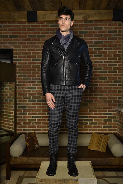 Checked Pants「Gilded Age - Presentation - Mercedes-Benz Fashion Week Fall 2015」:写真・画像(3)[壁紙.com]