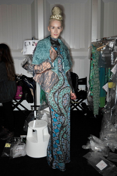 Up Do「Miranda Konstantinidou Backstage - Mercedes-Benz Fashion Week Autumn/Winter 2013/14」:写真・画像(14)[壁紙.com]