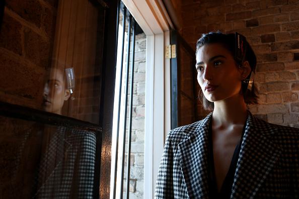 Lisa Maree Williams「Mercedes-Benz Presents Aje - Backstage - Mercedes-Benz Fashion Week Australia 2019」:写真・画像(4)[壁紙.com]