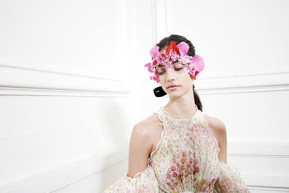 Spring Summer Collection「Giambattista Valli : Backstage - Paris Fashion Week - Womenswear Spring Summer 2020」:写真・画像(10)[壁紙.com]