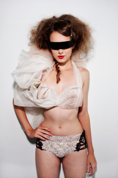 Lisa Maree Williams「AFF 2011: Passage Of Dreams By Triumph - Backstage & Catwalk」:写真・画像(1)[壁紙.com]
