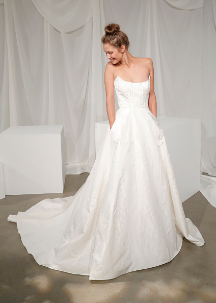 Wedding Dress「Amsale Fall 2020」:写真・画像(16)[壁紙.com]