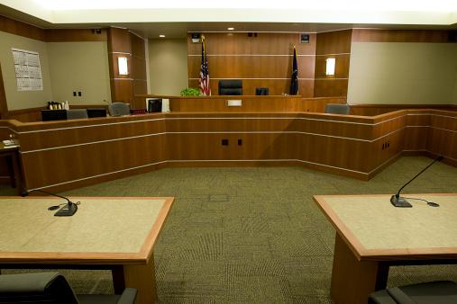 USA「Modern Courtroom with Judge's Bench, Attorneys' Desks Medium Wide Angle」:スマホ壁紙(4)