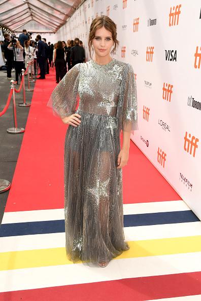 "Toronto「2019 Toronto International Film Festival - ""The Aeronauts"" Premiere - Red Carpet」:写真・画像(18)[壁紙.com]"