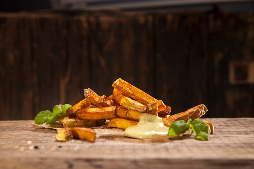 Mayonnaise「Hand made french fries with mayonnaise on wood」:スマホ壁紙(11)