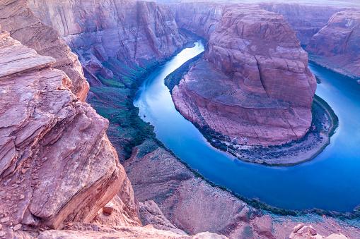 アメリカ合州国「アリゾナ州ページの市に近い馬蹄とコロラド川」:スマホ壁紙(3)