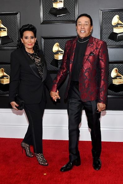 Smokey Robinson「62nd Annual GRAMMY Awards - Arrivals」:写真・画像(11)[壁紙.com]