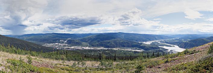 Yukon「Panoramic landscape of the Klondike and Yukon rivers」:スマホ壁紙(19)