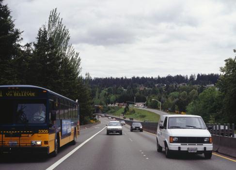 Approaching「Traffic driving on motorway」:スマホ壁紙(9)