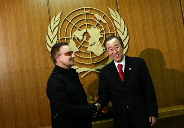 United Nations Building「U2's Bono visits United Nations」:写真・画像(2)[壁紙.com]
