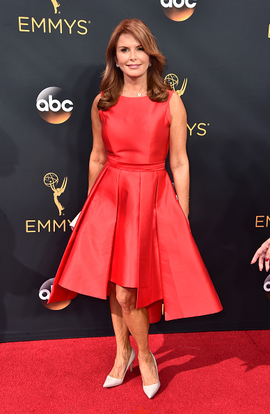 Brown Hair「68th Annual Primetime Emmy Awards - Arrivals」:写真・画像(4)[壁紙.com]
