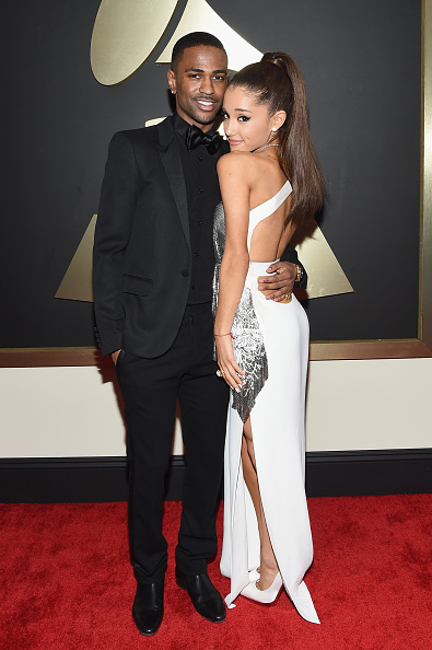Versace Dress「The 57th Annual GRAMMY Awards - Red Carpet」:写真・画像(16)[壁紙.com]