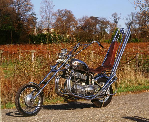 自転車・バイク「1958 Ariel Square 4 Chopper motorcycle」:写真・画像(12)[壁紙.com]