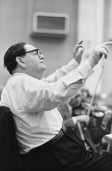 Conductor's Baton「Milhaud Conducting」:写真・画像(19)[壁紙.com]