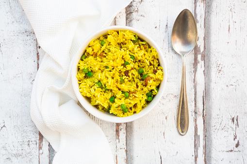 Basmati Rice「Bowl ofpilaurice with green peas, raisins and turmeric」:スマホ壁紙(11)