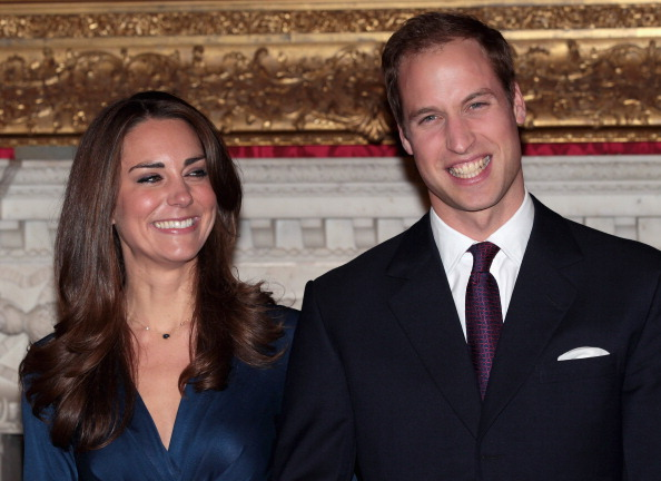 Fiancé「Clarence House Announce The Engagement Of Prince William To Kate Middleton」:写真・画像(11)[壁紙.com]