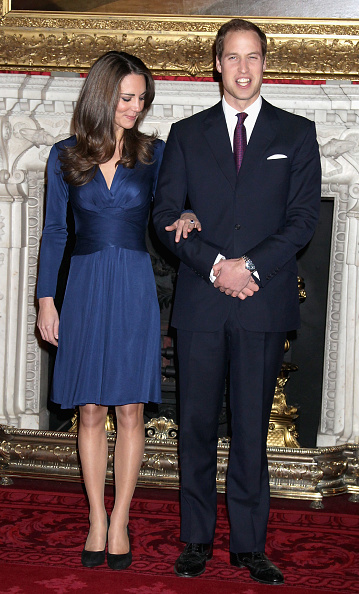 Navy Blue「Clarence House Announce The Engagement Of Prince William To Kate Middleton」:写真・画像(10)[壁紙.com]